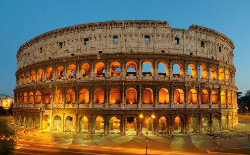 US tourists arrested for carving initials on Rome Colosseum - Telegraph