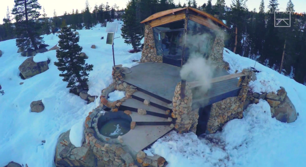 Snowboarder's tiny home is nestled on a mountain and off the grid | Trending Now - Yahoo News
