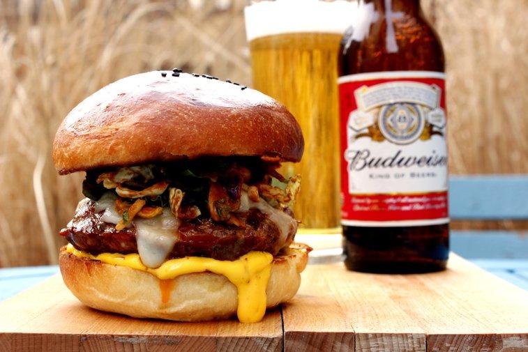 Budweiser Chorizo Burger - Rotio/Food