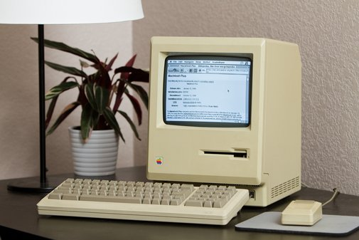 Plugging a 1986 Mac Plus into the modern Web