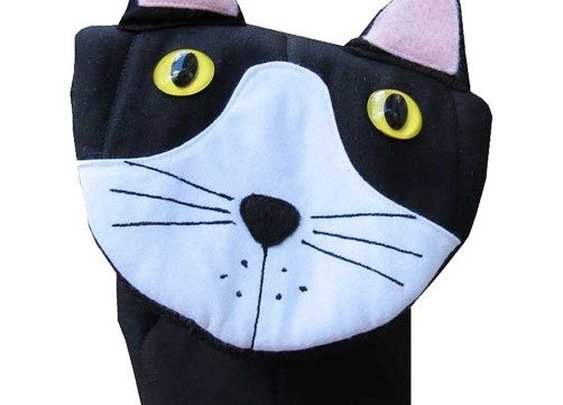 Cat Oven Mitt - Whimsical & Unique Gift Ideas for the Coolest Gift Givers