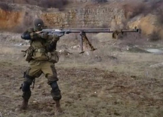 You'll Never Be As Cool As This Guy & His LongGun (video)