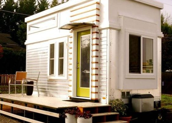 Dream Small: Oregon Man Turns Trailer Into Tiny House, Sells It for $36,500