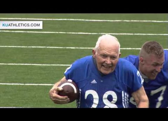 89 yo Bryan Sperry TD in KU Alumni Game