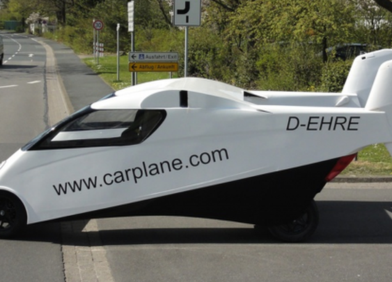 Twin-fuselage Carplane prototype makes public debut