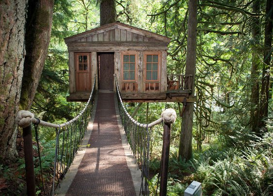 Treehouse Hotels - The World's 10 Coolest Treehouse Hotels - Thrillist