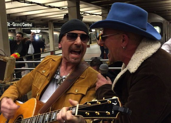 U2 Busks in NYC Subway in Disguise - YouTube