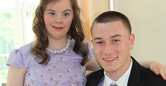 A High School Quarterback Took His Friend With Down Syndrome To Prom After They Made A Fourth-Grade Pact