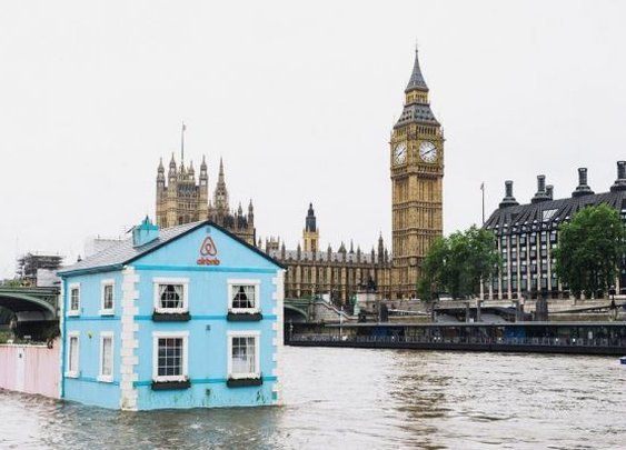 You Can Rent This Complete 2-Bedroom House That Floats along the Thames - Neatorama