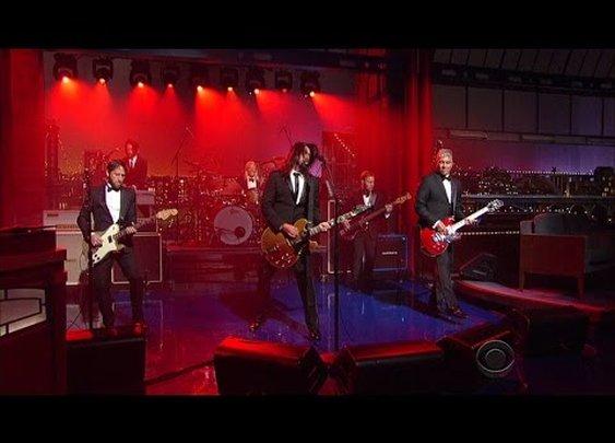 "Foo Fighters: ""Everlong"" - David Letterman Final Show"