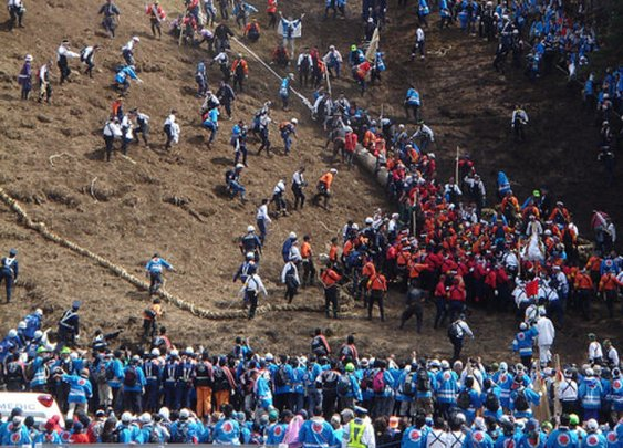 World's Most Dangerous Festival in Nagano Japan (Suwa Onbashira Festival) - Japan Talk