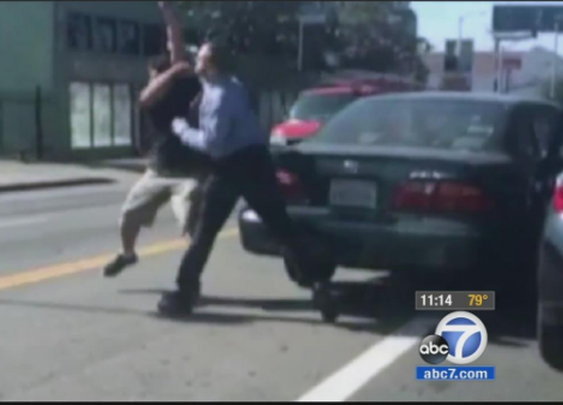 VIDEO: Drivers get in fist fight in apparent road rage incident in Hollywood | Watch the video - Yahoo News