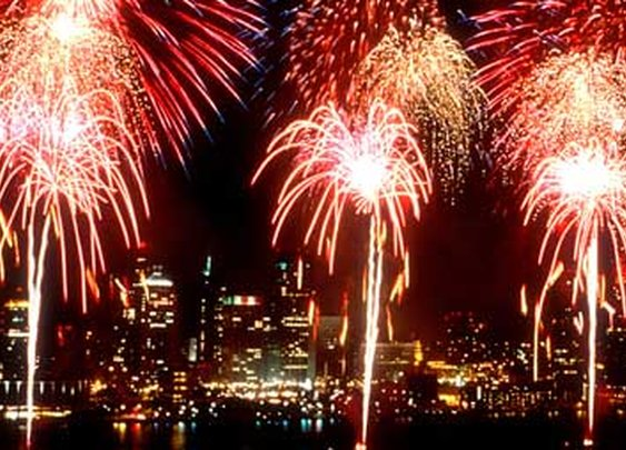 Top places to watch fireworks from the water this 4th of July