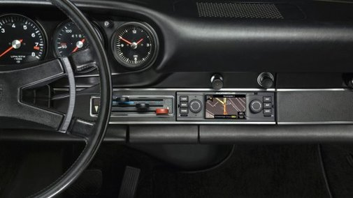 Porsche offering retrofit navigation system for classic cars