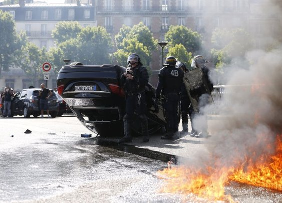 French Anti-Uber Protest Turns To Guerrilla Warfare As Cabbies Burn Cars, Attack Uber Drivers