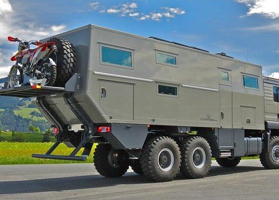 Globecruiser Motor Home - Men's Gear