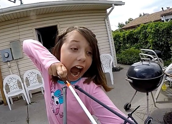 Girl Uses Slingbow To Pull Out Tooth - YouTube