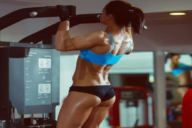Learn How to Do Pull Ups For a V Shaped Back