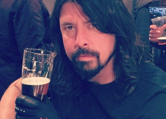 "Dave Grohl Responds to ""Learn to Fly"" Video from Italy"