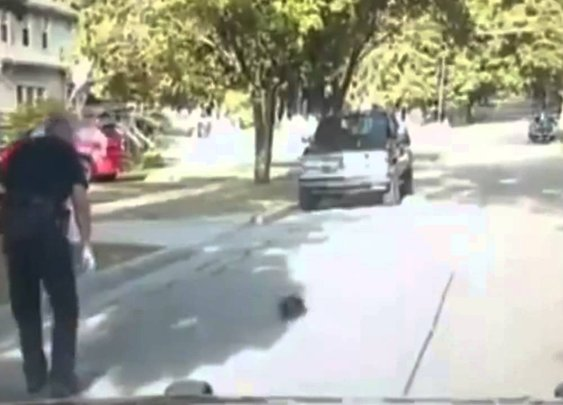 FUNNY Dashcam: Police Officer Rescues Skunk from Yogurt Cup - YouTube