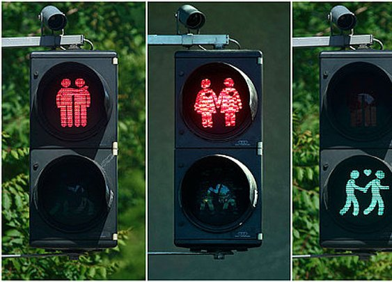Traffic Lights Completed its 101 Years | Electrodiction.com Blog