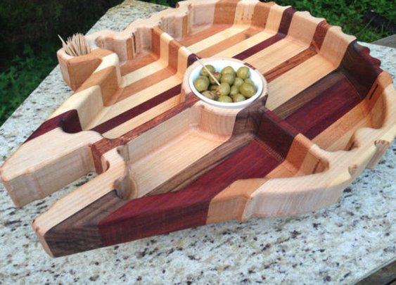 Millennium Falcon snack tray will impress your scruffy-looking friends - CNET