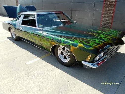 Classic cars on auction for Kool Deadwood Nites