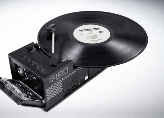 Ion IT34 USB Turntable & Cassette Player