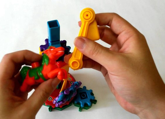 Gears! Gears! Gears! Dizzy Fun Land Building Set (디지 펀 랜드 빌딩 세트) Whirl! Spin! Zoom! juguete TOY 遊び - YouTube