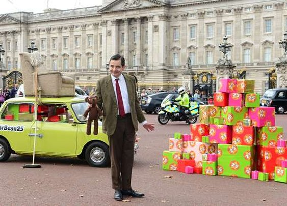Mr Bean heads to Buckingham Palace for 25th anniversary and birthday