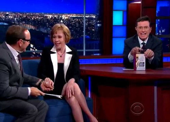 Kevin Spacey Reads Carol Burnett A Poem - YouTube