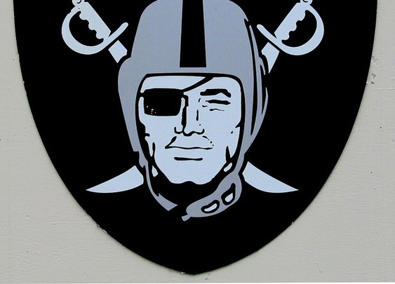 The Oakland Raiders are 2-1, Wow! - Persona Paper