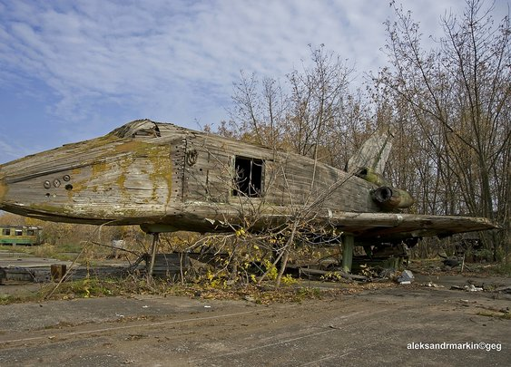 More Sad Remains Of The Soviet Buran Space Shuttle Program
