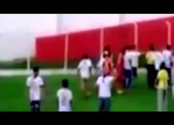 Referee in Brazil pulls out gun to settle dispute during amateur soccer match | Examiner.com