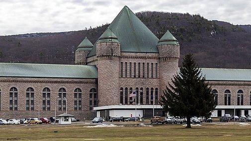Harvard Debate Team Loses To New York Prison Inmates « CBS Boston