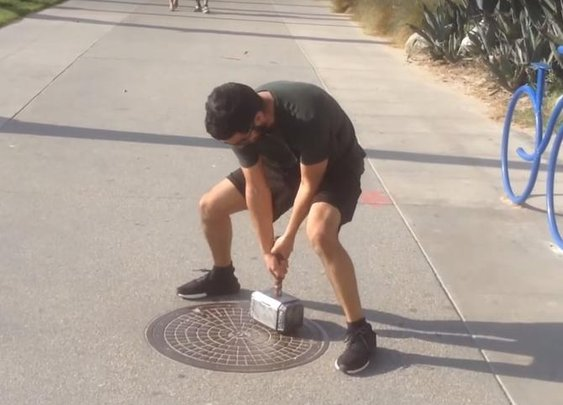 Engineer builds 'working' Thor's hammer that only he can lift - CNET