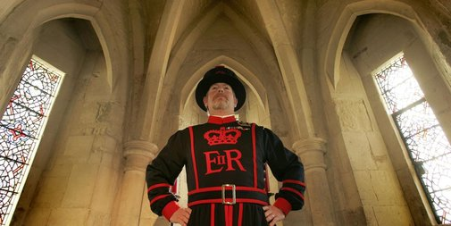 The secret life of Beefeaters - BBC Travel
