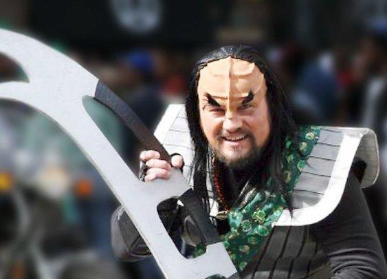 Man Ends Garbage Dispute With Klingon Sword
