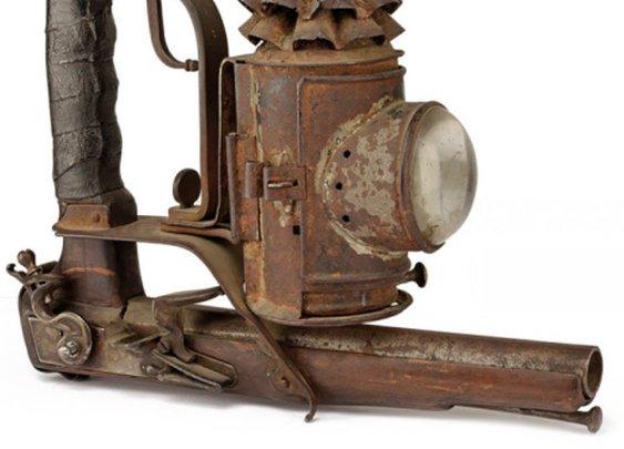 19th century Italian tactical lantern pistol (5 PHOTOS)