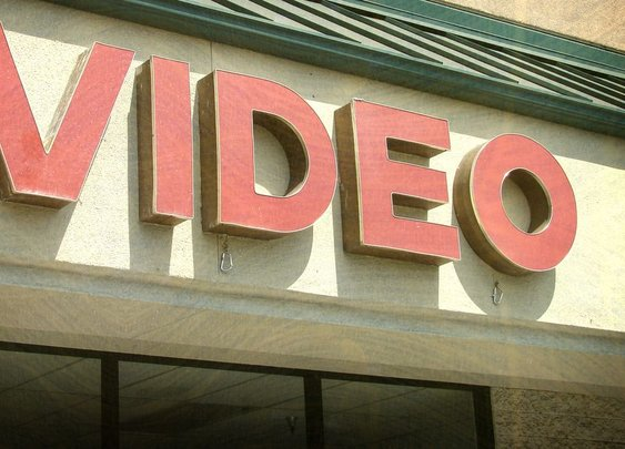 I worked in a video store for 25 years. Here's what I learned as my industry died. - Vox