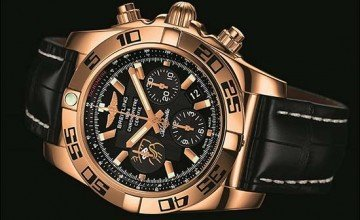 Breitling Honors Wayne Gretzky with a Limited Edition Chronomat 44