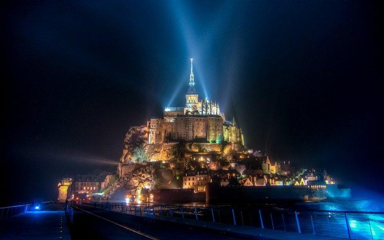 18 Magical Photos of France's Breathtaking Mont Saint-Michel