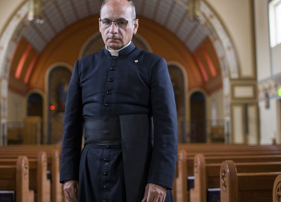 Amazing Arizonans: Father Joseph Terra, a Phoenix priest who lives the gospel