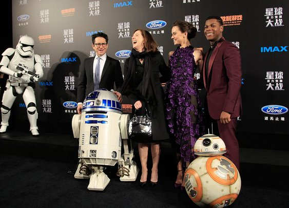 Admit it: 'The Force Awakens' stinks-here's why - LA Times