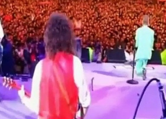 Bowie Reciting The Lord's Prayer in Concert - Video Dailymotion