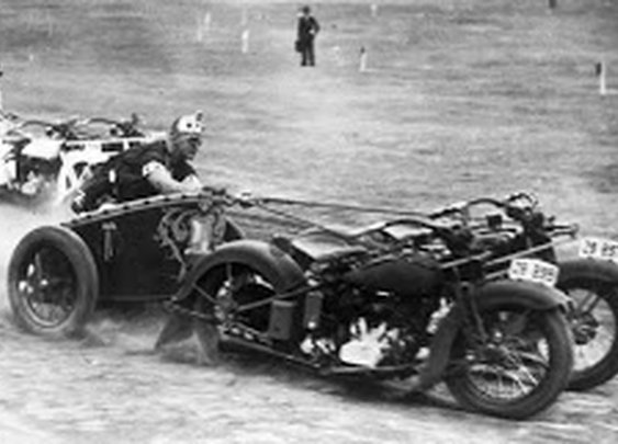 vintage everyday: Motorcycle Chariot race in New South Wales, Australia, 1936