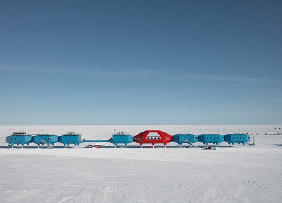 Photographs of the Futuristic Antarctic Ice Station That Can Move On Skis | Atlas Obscura