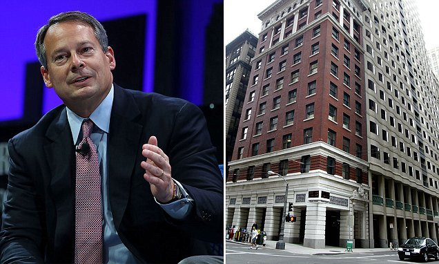 Charles Schwab CEO Walt Bettinger tests job candidates with messed up food order