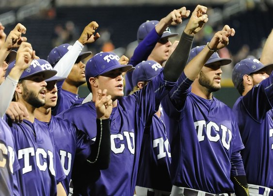 TCU students reserve 50 tickets so veteran families can watch baseball for free - Frogs O' War