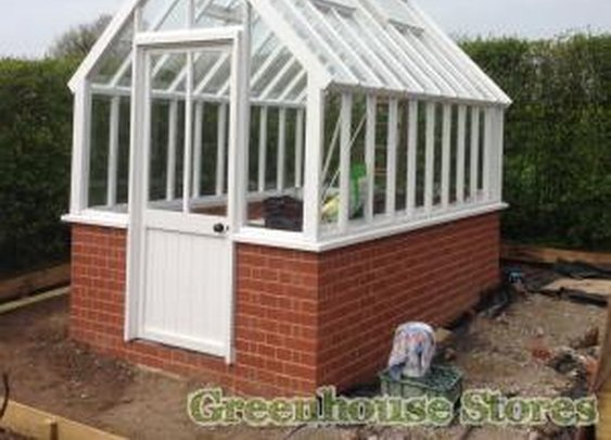 Cotswold Wooden Greenhouses - Greenhouse Stores